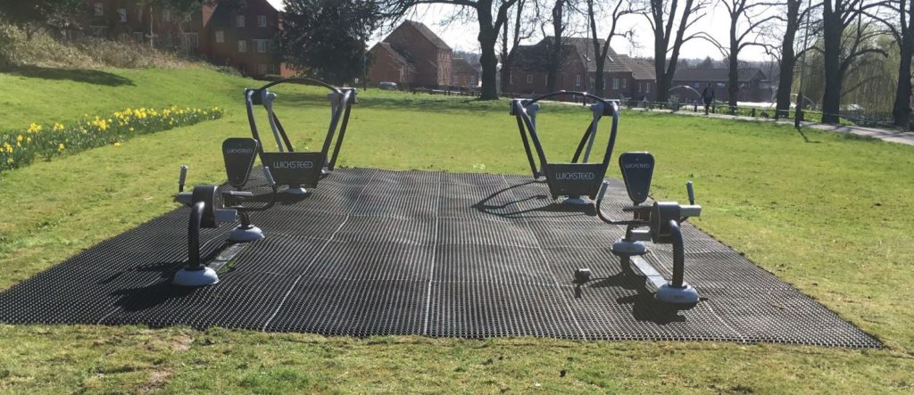 surfacing for outdoor gyms